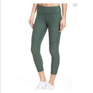 Outdoor voices 3/4 warmup leggings XS